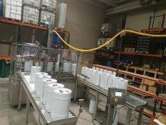 固化剂、稀释剂、机油灌装机